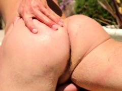 Amateur stud tugging cock in the pool