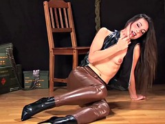 lorena garcia in sexy leather outfit