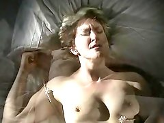 Mature retro lady pleases herself with passionate pussy masturbation