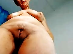 Mature spreads pussylips