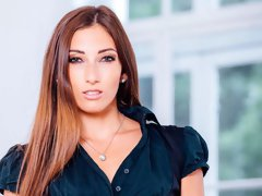 White wife in black lingerie Clea Gaultier adores IR anal sex