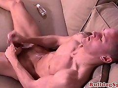 Sixpack chav sprays jizz after masturbating