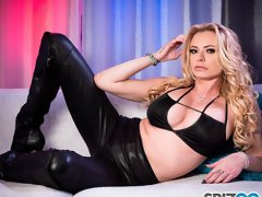 Slutty MILF with long legs Briana Banks likes intensive dick riding