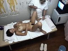 Sweet Japanese girls reach their climax on the massage table