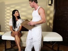 Glam stunner throatfucked by her masseur