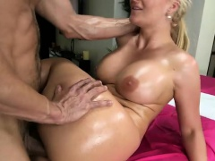 Phoenix Marie fucked at the massage