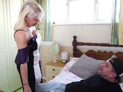 Young TV repairman fucks a hot blonde granny