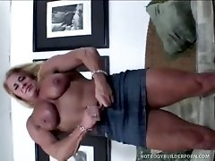 Sinful Blonde Body-Builder Vixen Cums From That Sex Toy