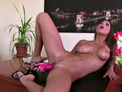 Zafira at work bored and fuck with a dildo