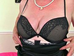 British grandmother kler nayt indulges her old pussy