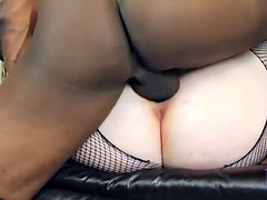 Round-chick with cum filled