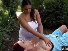 Doux massage avec de l huile