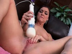 Brittany Shae takes a toy to her twat