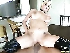 Bouncing tit girl in boots