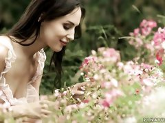 All-natural young brunette Lilu Moon anally fucked in the garden