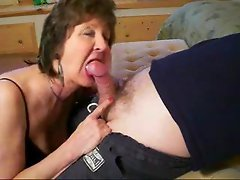 My mom is sucking my dick! Real amateur.F70